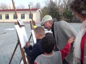 İlköğretim Öğrencileri, Atatürk'ü Resim ve Maket Yaparak Andılar